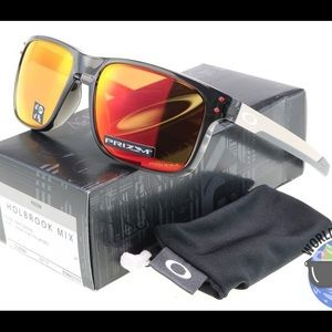19dd78a76e Oakley Accessories - Oakley Holbrook Mix Prizm Polarized